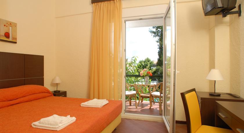 Hotel Feakion Gouvia 2* (Gouvia)