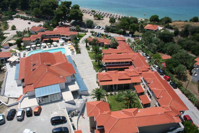 HOTELUL LAGOMANDRA BEACH 4* LAGOMANDRA