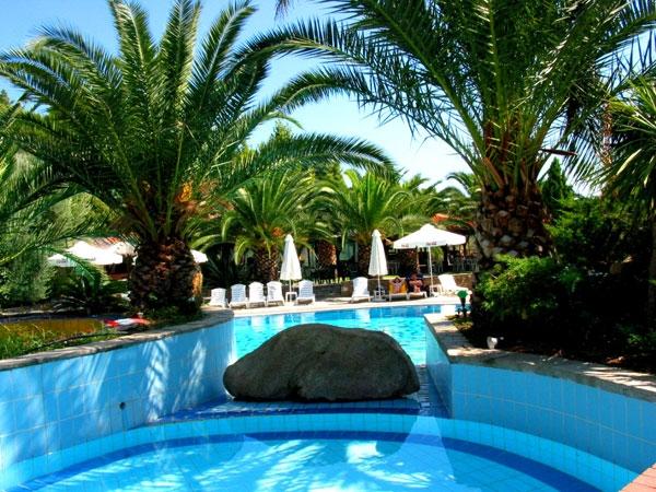 HOTELUL LAGOMANDRA & SPA 4* LAGOMANDRA