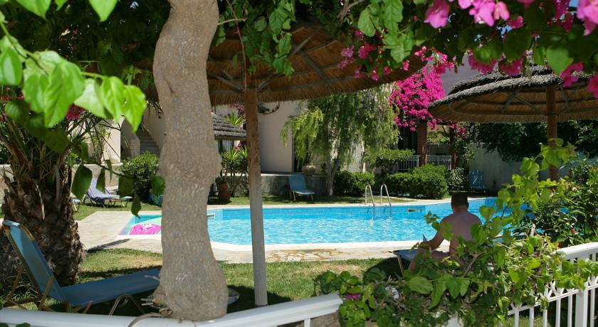 Hotel Aquarius Apartments 4* Agia Pelagia